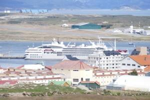 Many many cruise boats...therefore many many people